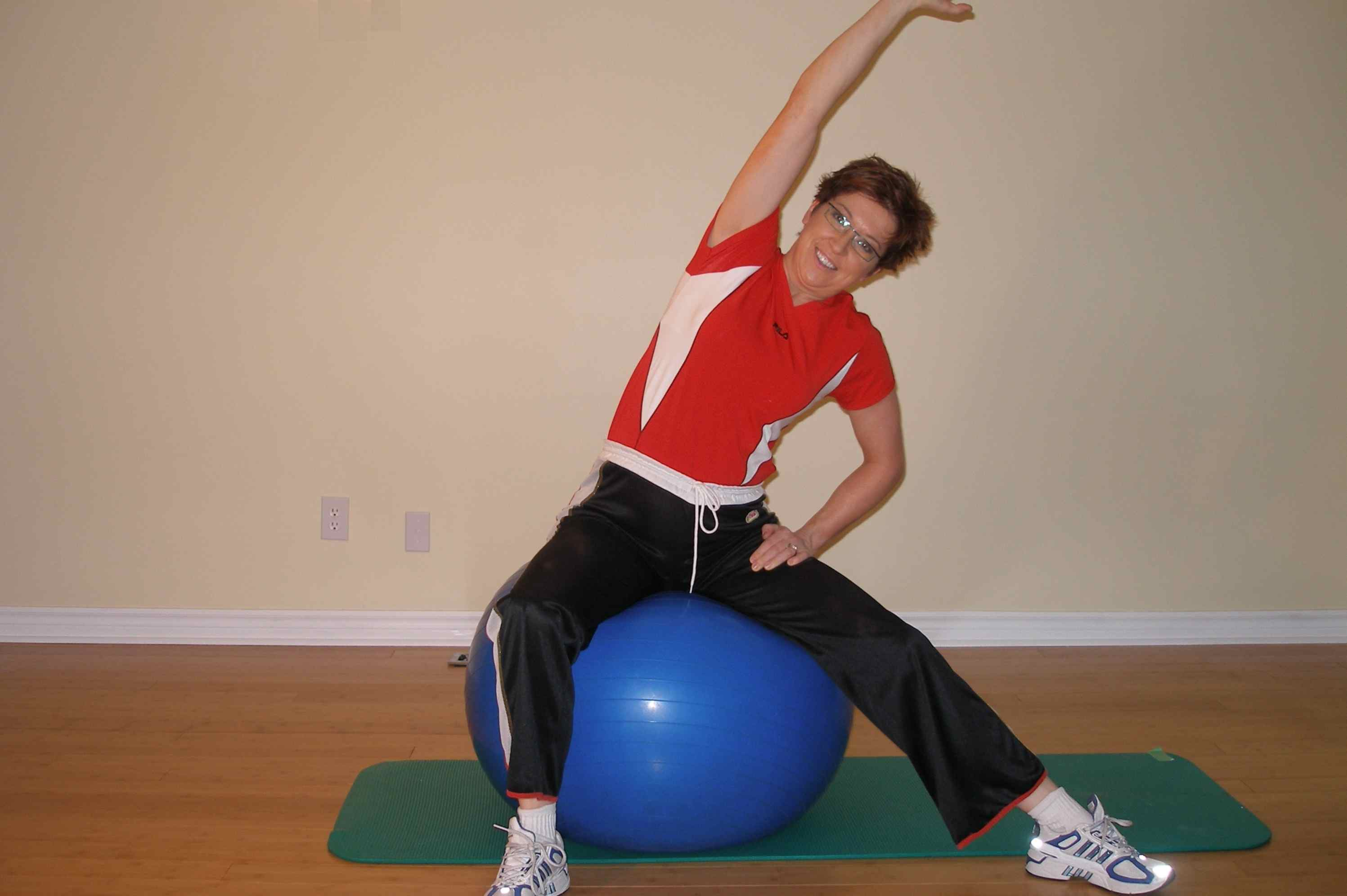 exercise ball stretching side