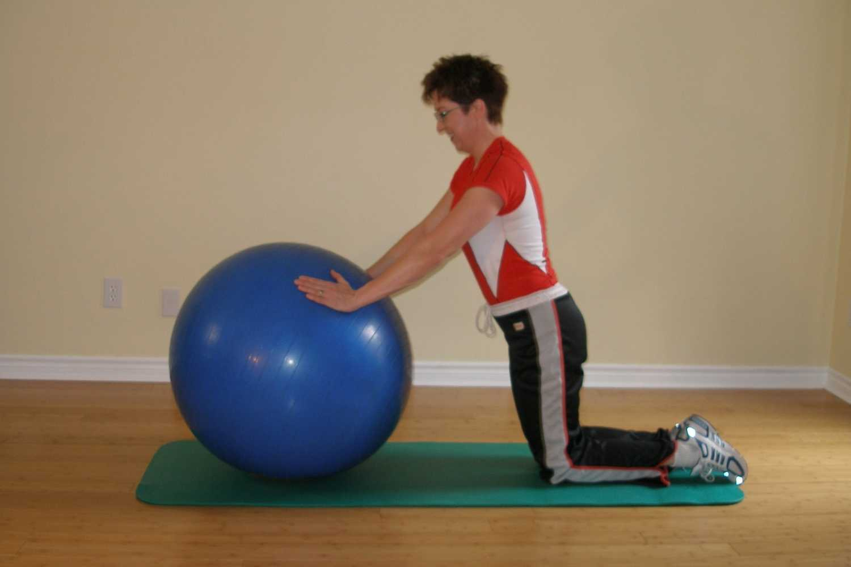 kneelin pushup plus on ball