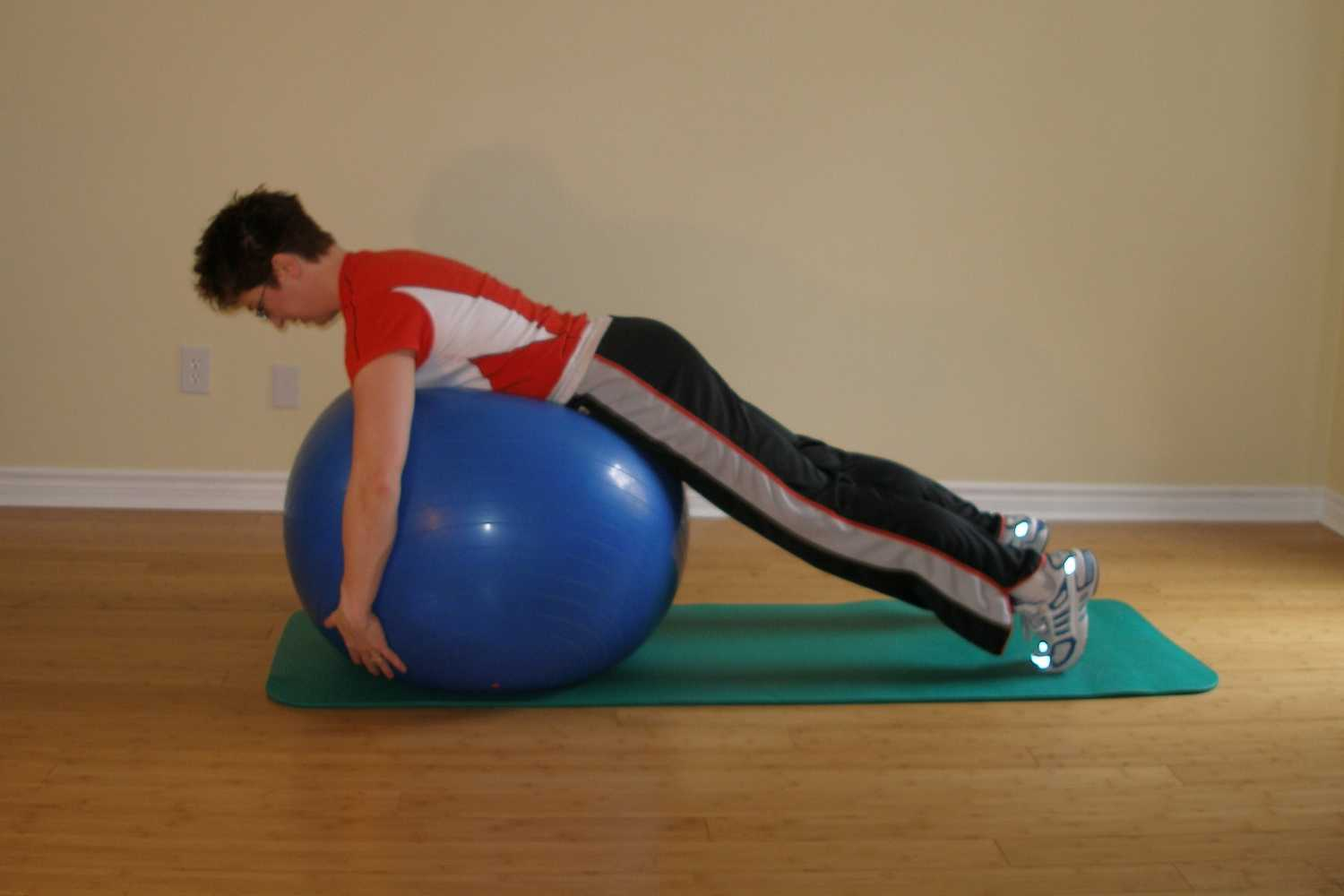 swaying ball plank start