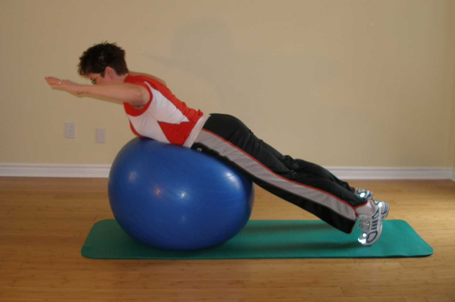 back extension on the exercise ball finish