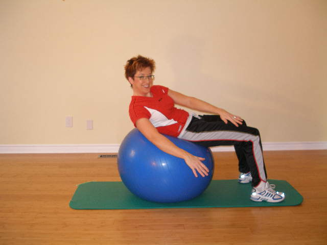 oblique crunch on the stability ball #1 finish