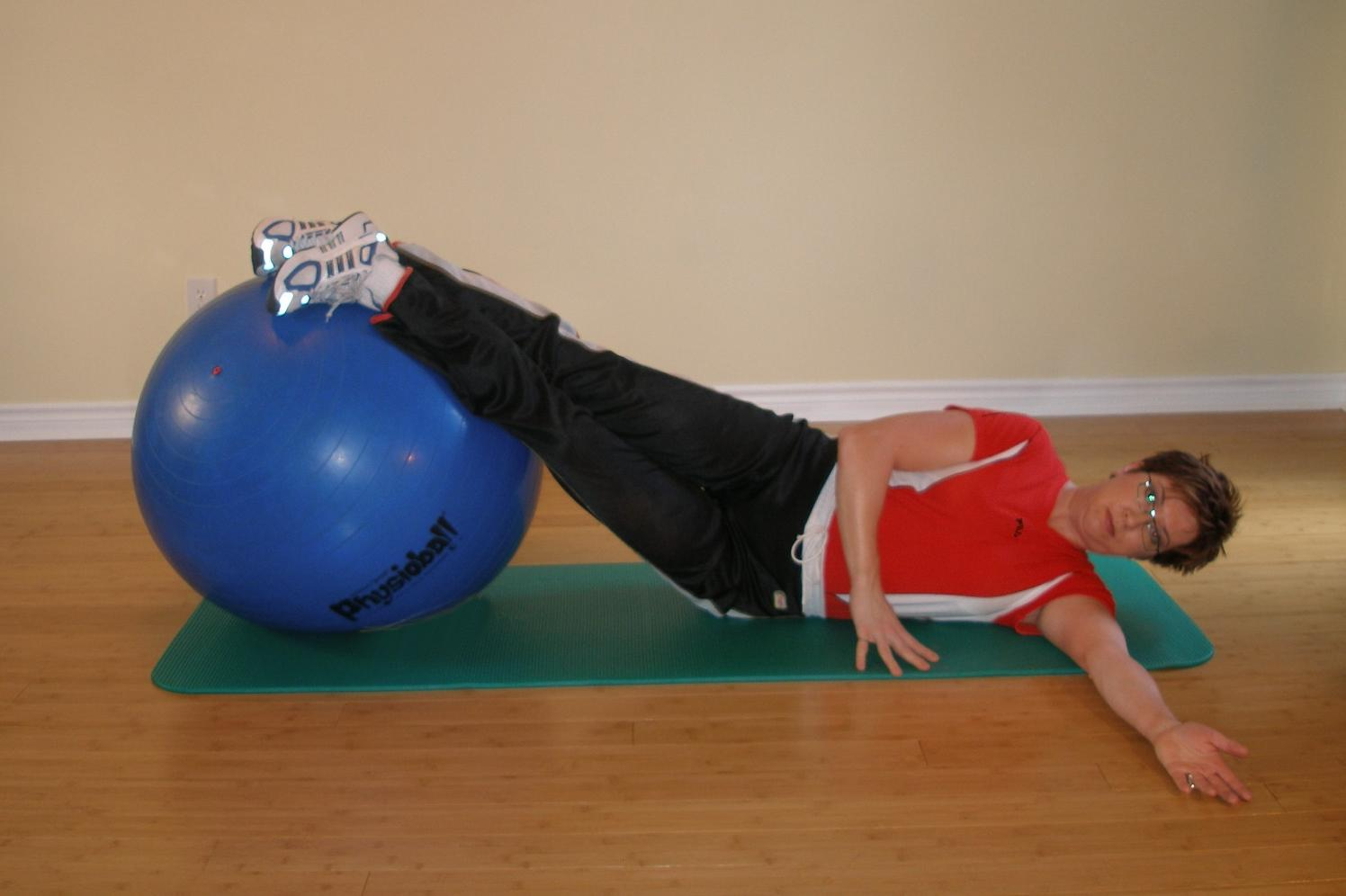 exercise ball side bridge starting position