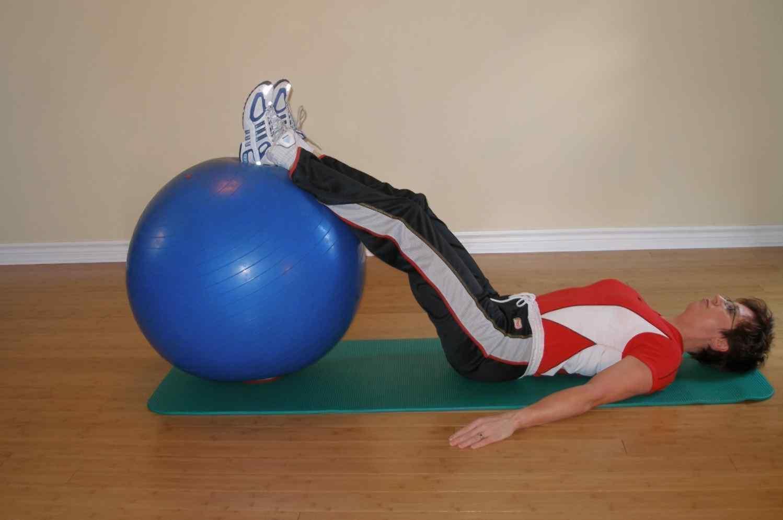 Single Leg exercise ball bridge start