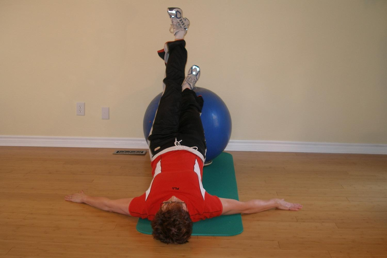 ball exercise single leg raise position 1