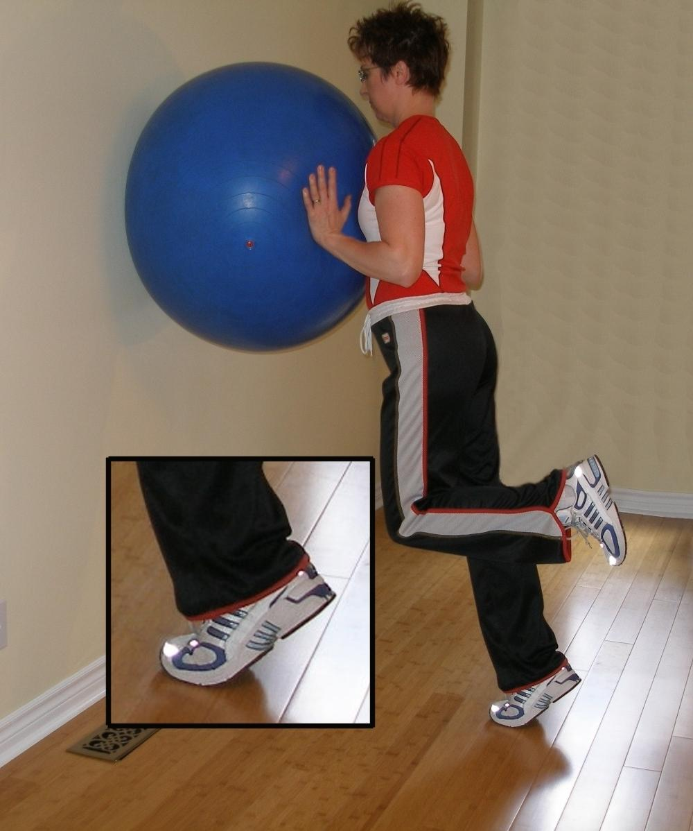 single leg calf raise with the exercise ball